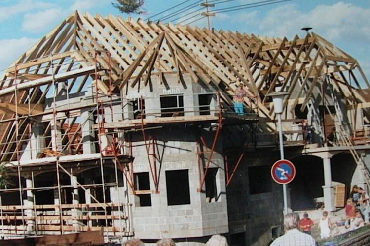 Unser Herz schlägt für den Baustoff Holz